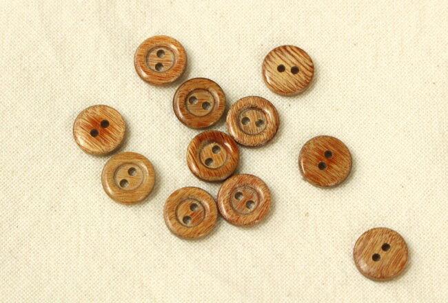 【ネコポス可能/代引き・配達日時指定不可】木ボタン 2穴・13mm・アンティーク調(B:淡色・たらい型/ツヤあり)