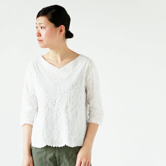 NOMBRE IMPAIR (page number Ampere) cotton loan embroidery V neck eight minutes sleeve blouse 01-1-06-045-7-1-mm
