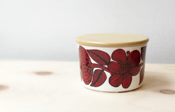 Gustavsberg(グスタフスベリ)北欧キャニスター保存容器陶器のジャーベルサbersaレッドアスターRedaster蓋木製おしゃれな北欧食器スティングリンドベリのデザインスウェーデン食器北欧的スタイルのキッチン雑貨ボーンチャイナプレゼントやギフトにも人気