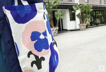 トートバッグKauniste(カウニステ)バッグ新デザイン入荷カバンフィンランドおしゃれな北欧デザイン雑貨エコバッグ手提げ鞄普段使いかわいいおしゃれプレゼント母の日38x43cmトートカバン