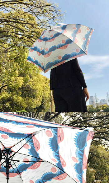 雨傘/長傘Jump傘ジャンプ傘北欧デザイン軽量korko(コルコデザイン)軽量カーボン使用で約200gの軽さ北欧デザイン雨具レイングッズ軽い傘北欧雑貨おしゃれな北欧テキスタイルの雨傘。持ち運びにも便利