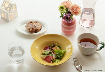 Kahler(ケーラー)花瓶フラワーベース(ミニサイズ)オマジオ数量限定日本特別受注品OMAGGIOデンマーク陶器ホワイトプレゼントおしゃれな北欧雑貨花びんインテリアボーダーデンマークの陶磁器北欧のお部屋インテリア雑貨ハーマンケーラー