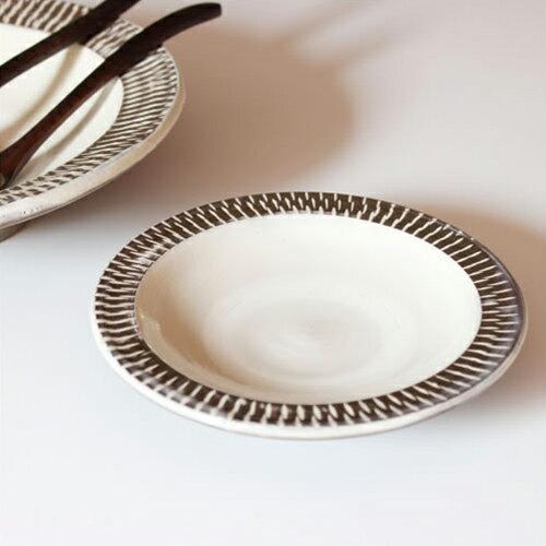 【小鹿田焼 5寸皿 ゾウガン 白 飛びかんな】テーブルウェア 食器 皿 和食器 おんた焼き 飛びかんな ギフト■ あす楽■ ラッピング無料