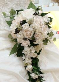 ウェディングブーケ 挙式用 バラとグリーンのキャスケード ナチュラルブーケ ブトニア付 ブライダルブーケ プリザーブドフラワー ブーケ 結婚式 キャスケードブーケ