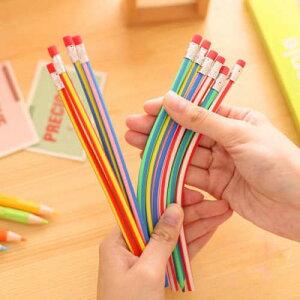 手の持ち方をペンに合わせるのではなく、ペンが手の位置にはまるフレキシブル鉛筆6本