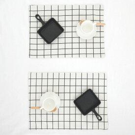 ネコポス送料無料 両面仕様 2枚を縫い合わせた厚手生地 グラフチェック ランチョンマット 綿麻 クロス 約32×44cm モノトーン 【art of black】黒/白/グレー ウェア ランナー