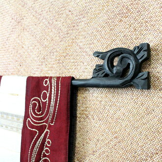 Wood carving ikat hanger