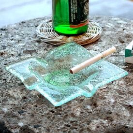 ガラスで出来たスクエア型アッシュトレイ(13110)【灰皿 煙草 喫煙 プレート トレー ガラス びいどろ 透明 角 正方形 アジアン マルチ アクセサリー 雑貨 グリーン 緑 リゾート ヴィラ おしゃれ シンプル インテリア】