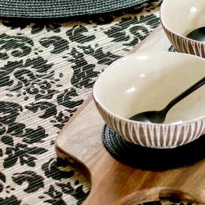 ウォーターヒヤシンスで出来た可愛い模様のテーブルランナー(ブラック×ナチュラル)(10824)