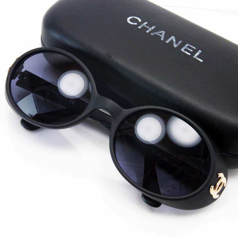 シャネル CHANEL サングラス ヴィンテージ レンズ:クリアブラック フレーム:マットブラックxゴールド プラスティック レディース 【中古】【定番人気】 - a1092