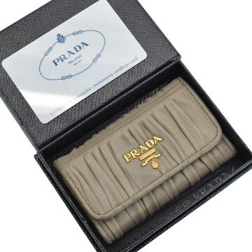プラダPRADA6連キーケース◆ベージュxゴールドカラーレザーx金属素材◆おすすめ【中古】◆レディース-s0309