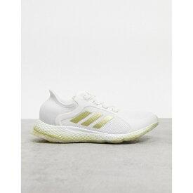 アディダス レディース スニーカー シューズ adidas Running focus breathe sneakers in white and gold White