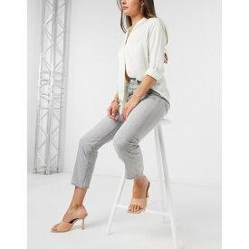 リーバイス レディース デニムパンツ ボトムス Levi's 501 crop jeans in light gray Opposites attract
