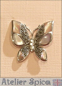 【シルバー925】バタフライ天然石ピンクマザーパールのブローチ、SV925、蝶、シルバーアクセサリー