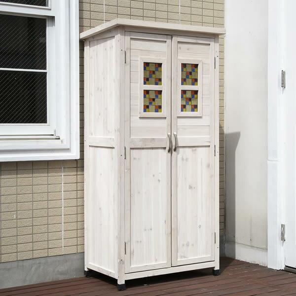扉にはめ込んだステンドグラスがお庭に映える大型物置ポタジェモザイク天然木製収納庫 ハイタイプ【送料無料(一部地域除きます)】商品型番:ptg-8116