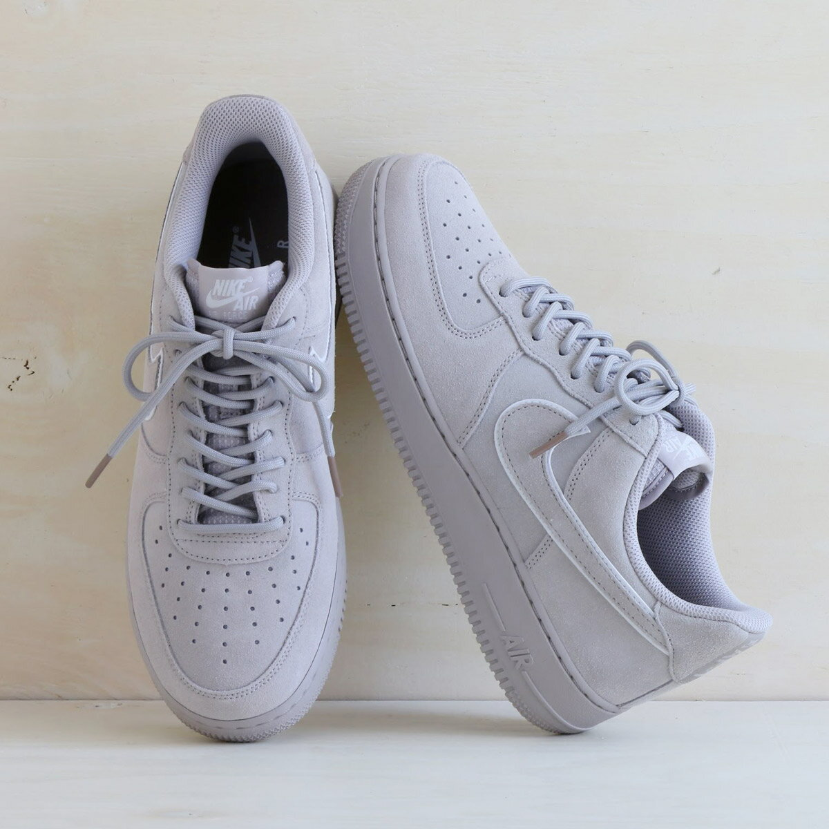 NIKE AIR FORCE 1 '07 LV8 SUEDE(ナイキ エア フォース 1 07 LV8 スエード)(MOON PARTICLE/MOON PARTICLE-SEPIA STONE)18SU-I