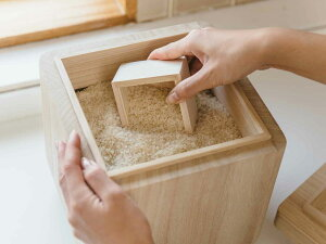 羽釜の米びつ