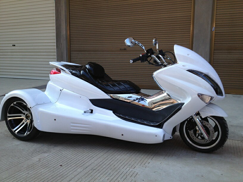 マジェトライクカスタム水冷250cc バック付