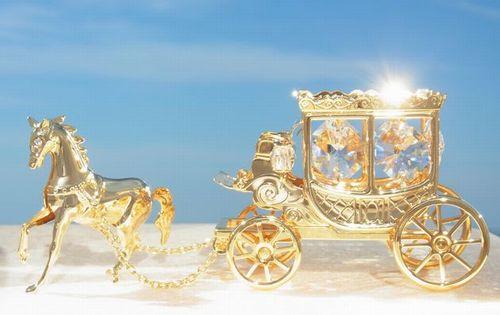誕生日プレゼント 女性 男性 ギフトスワロフスキー クリスタル SWAROVSKI/王室の 馬車 置物 1まとめ買いの絶好のチャンス!最安値挑戦中!