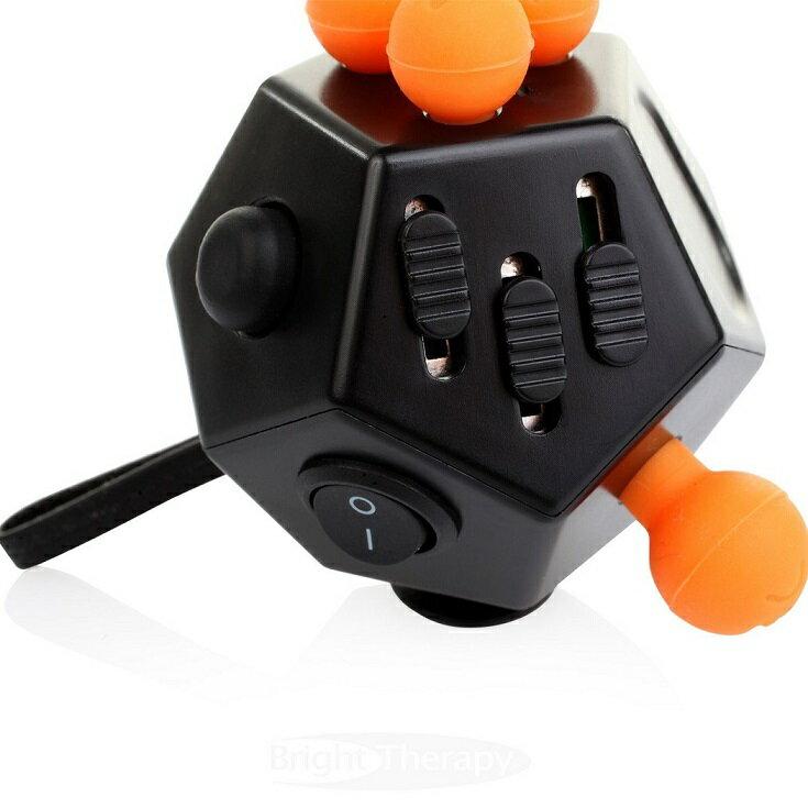 ストレス解消グッズ 12種類の機能 多面型おもちゃ 集中力アップ ストレス解消