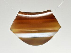 【2105】アゲート半透明ブラウン縞模様ペンダントヘッドA11【とんぼ玉】【アンティークビーズ】【ビーズ】【パーツ】【天然石】【縞瑪瑙】【護符】【天然石】【送料無料】【Dzi】