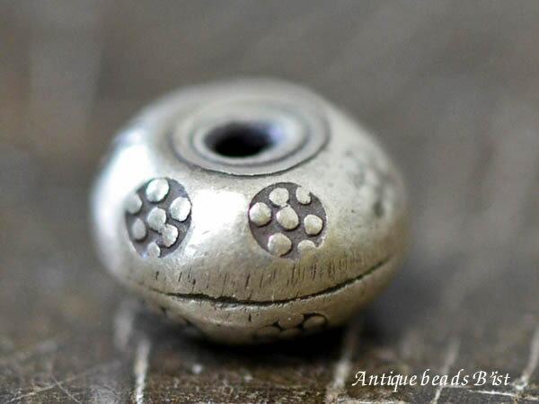【1404】カレンシルバースペーサー刻印入円盤玉C Φ9.0mm【とんぼ玉】【ホワイトハート】【ビーズ】【パーツ】【インディアンジュエリー】【シルバービーズ】【silver925】