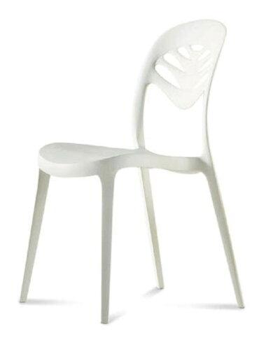白くて軽いデザイナーズチェア