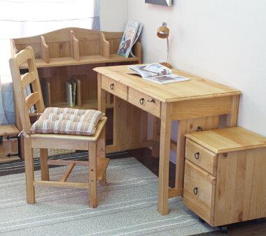 人気のカントリー学習机上置きを机と別に横置きにして