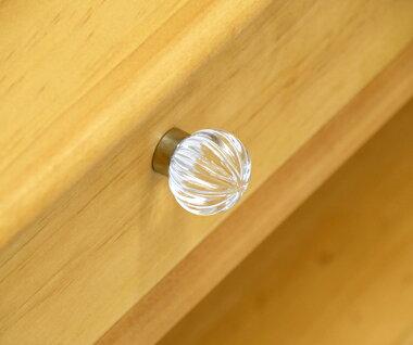 カントリーリビングテーブルナチュラルカントリーの木製センターテーブルソファテーブル引出付きのリビングルーム用テーブル幅約1メートルのリビングテーブルOCC01-naクリスタルガラス取手