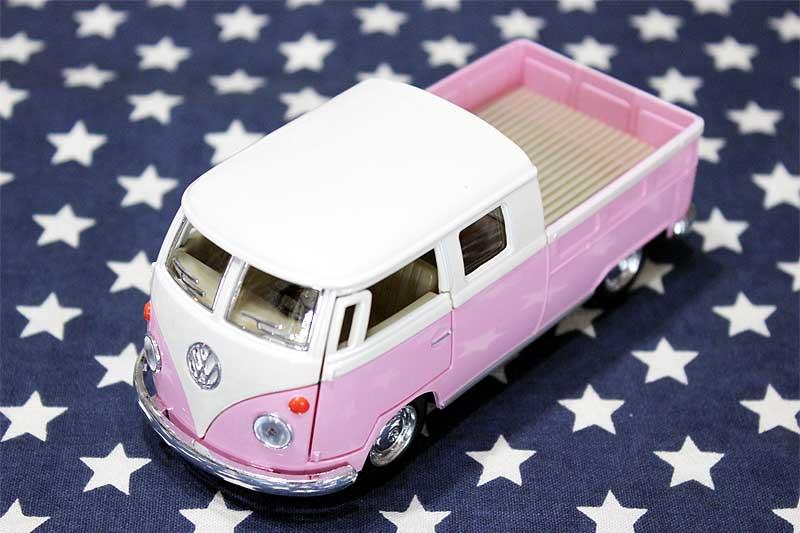 ワーゲンバス ミニカー プルバックカー 63年式 ダブルキャブ Bus Double Cab Pickup ピンク アメリカ 雑貨 クルマ 模型 フォルクスワーゲン 置き物 玩具 ガレージ 店舗 カフェ バー インテリア ミニカー