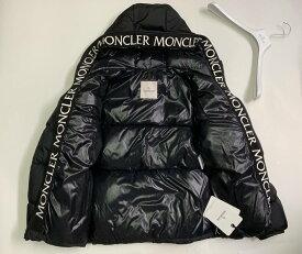 MONCLER(モンクレール)のフード付きダウンジャケット(MONTCLA)モンクラー