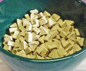 【三角形のハイドロカルチャー】 セラキュート トライアングル BE 9mm クリスマス 水耕栽培や鉢植えのマルチングにピッタリ!インテリア飾りにも ガーデニング 睡蓮鉢の飾りにも 室内園芸