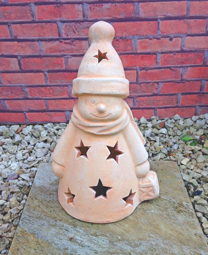 ☆庭作りに☆ スノーマン 40cm 穏やかで可愛らしい笑顔が心を癒してくれます。 テラコッタ製 素焼き 陶器製 置物 オーナメント 人形 洋風ガーデン 輸入雑貨 ガーデニンググッズ おしゃれ 園芸用品