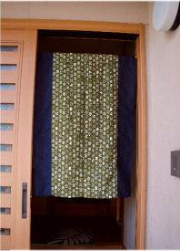【手作り小物】ツートン和柄ネコ(カーキ)カジュアル暖簾(ミドル丈)