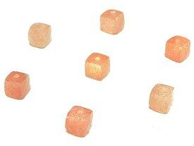 【粒販売】タンザニア産 サンストーン キューブカット 3〜4mm【10粒販売】