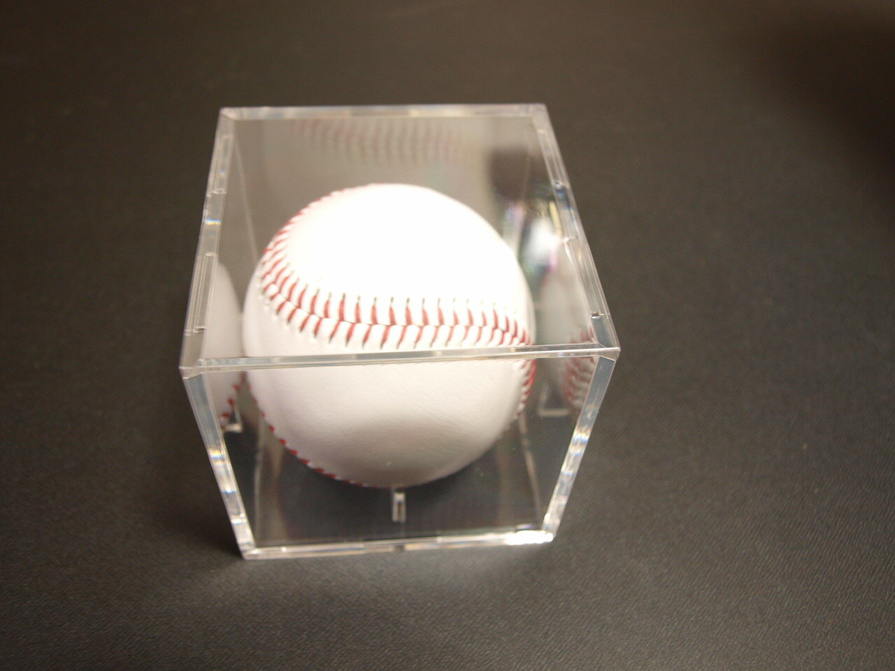 UltraPro UVケア カット!記念サインボールケース用コレクションケース!野球用品/記念グッズ/野球ボール/硬球、軟球/野球用品/ キャンプ用にも