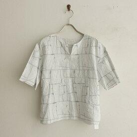 ミナペルホネン mina perhonen garden patchwork リネン刺繍キーネックブラウス 38【中古】【42A12】【高価買取中】