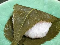 道明寺粉を使った関西風桜餅