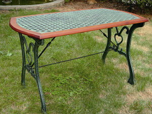 ガーデンテーブル カフェ テーブル 木製 鋳物 クロステーブル 幅1120×高さ645×奥行608 組立式 アイアン 家具 食卓 ダイニング 屋外 ガーデン ガーデンファニチャー ベランダ テラス おしゃれ