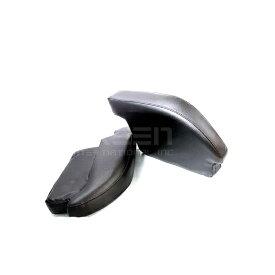 【送料無料】ハイエース 200系 アームレスト PVCレザー 2個 1セット レジアスエース【ブラック 黒 肘置き 左右セット 低反発 2つ センターコンソールボックス付き車に対応 ウレタン クッション 合皮 スポーツタイプ スマート 肘掛】