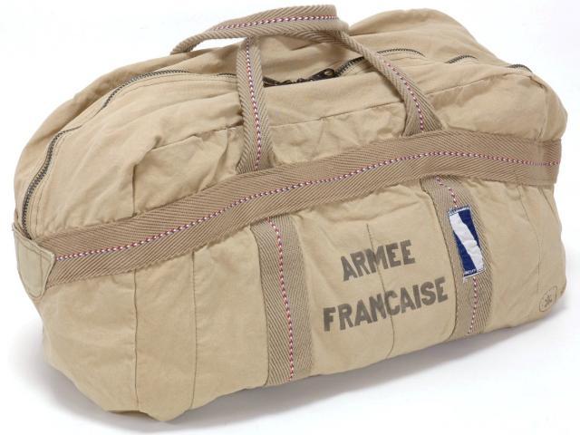フランス軍パラシュートバッグARMEE FRANCAISE(カーキ) ミリタリー