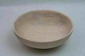 白くてきれいな木の鉢