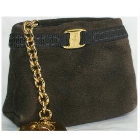 【中古】本物綺麗フェラガモ女性用ヌバック素材カーキ色のバッグの形の小物入れのついた金色金具のキーホルダー サイズW5,5H5D3cm 300406-3