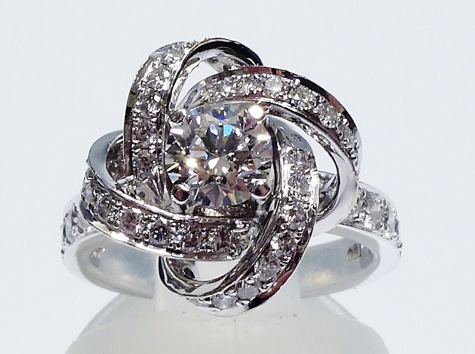 K18WG ダイヤ ブシュロン風 指輪 リング ♯7.5 18金ホワイトゴールド 【中古】