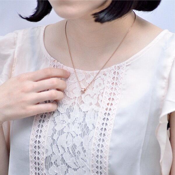 刻印無料ペアネックレス小さめサイズにこだわったサークル・ライトペアネックレスアレルギーフリーサージカルステンレスイニシャル彫刻LaussPairNecklace
