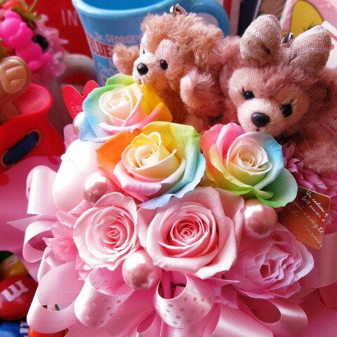 ダッフィー ぬいぐるみ 花 プリザーブドフラワー ダッフィー シェリーメイ レインボーローズ入り ケース付き ◆誕生日プレゼント・記念日の贈り物におすすめのフラワーギフト
