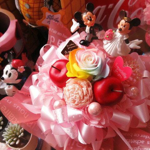 結婚祝い ミッキー ミニー入り 花 ディズニー フラワーギフト ラテ レインボーローズ プリザーブドフラワー入り ウェディングB ミッキーマウス ミニーマウス ケース付き