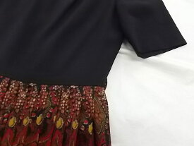 古着 レディース ルシアン野村 黒×赤系ペイズリー風柄 半袖ミモレ丈プリーツワンピース 着丈約105 Lぐらい AH-1★併190525●送料無料【smtb-k】【w3】【中古】
