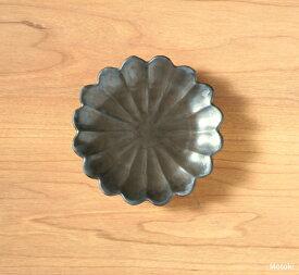 伊万里焼 モノクロ菊丸手塩皿(豆皿)