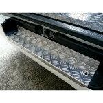 200系ハイエース標準用アルミ縞板リアステップカバー/リアバンパーステップカバー滑り止めに